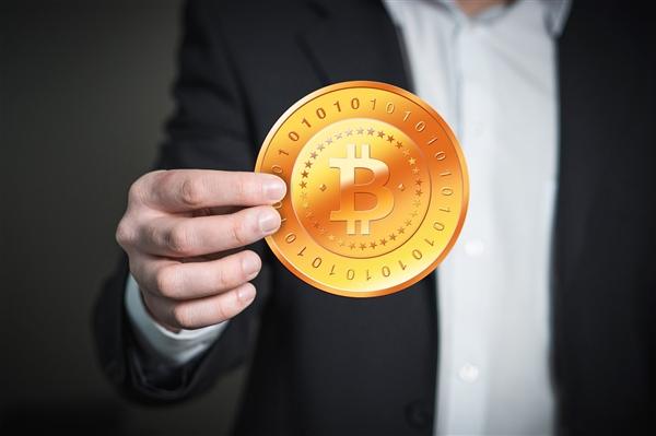 周鸿�t谈区块链:比特币是唯一刚需产品